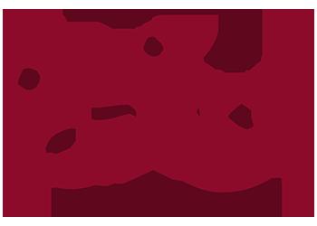 Vinröd illustration tre figurer runt ett bord som samtalar livligt.